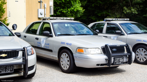 Additional photo  of Rhode Island State Police                     Cruiser 988, a 2006-2008 Ford Crown Victoria Police Interceptor                     taken by Kieran Egan