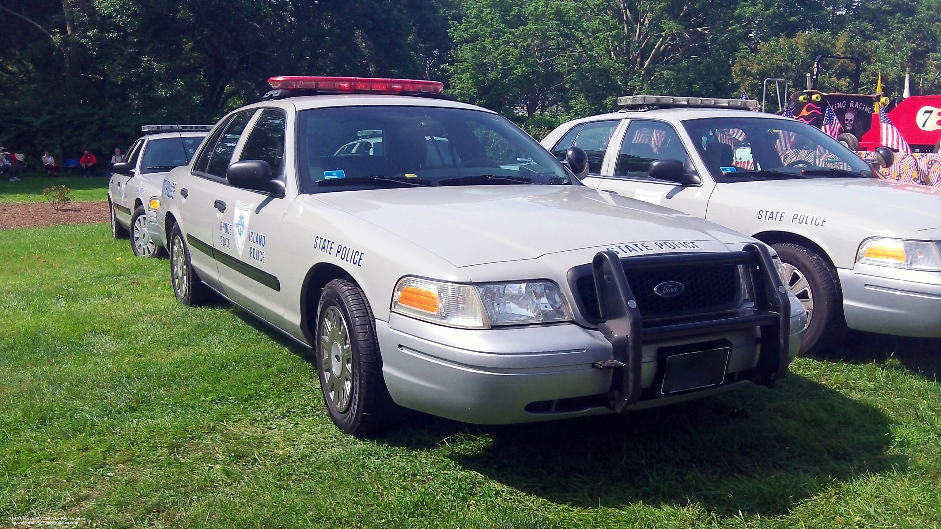 A photo  of Rhode Island State Police             Cruiser 61, a 2003-2005 Ford Crown Victoria Police Interceptor             taken by Kieran Egan